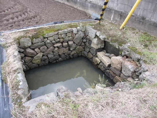 飯山町西坂元の出水・湧水