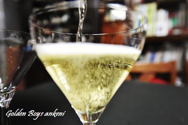004  スパークリングワイン