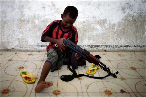 somali-children-soldiers_001[1]