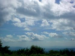 夏色した空