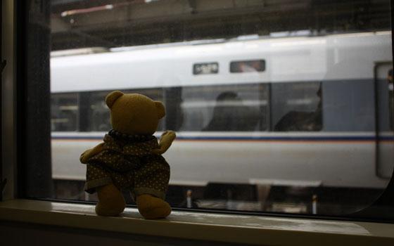 他の列車に手を振る