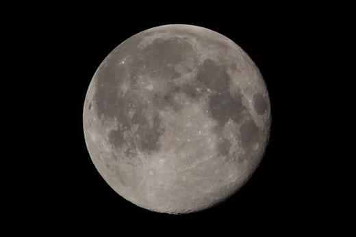 十六夜の月・23時54分