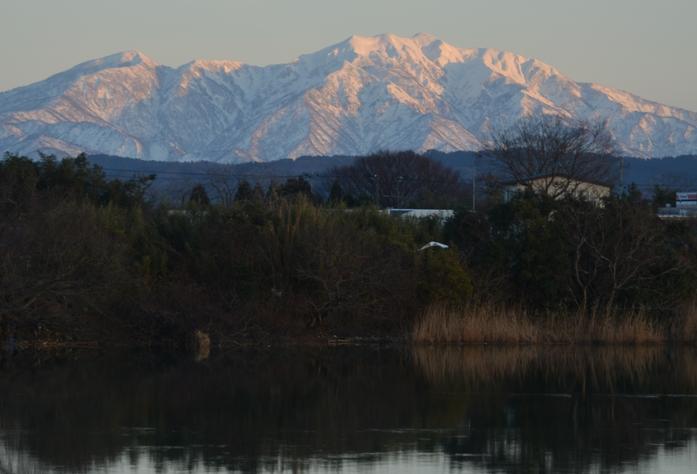 雪山と川面-2