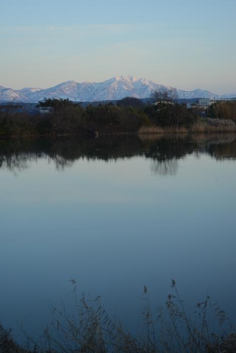 雪山と川面-3