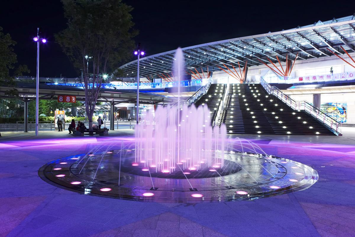 岐阜駅前噴水
