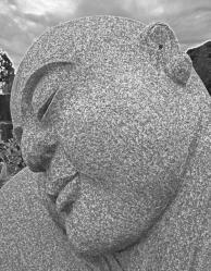 Buddha-sleeps-in-oki-2.jpg