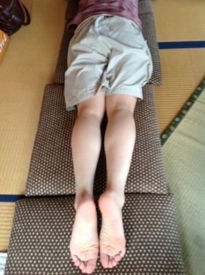 郡山・経絡足つぼ脚もみマッサージ士_たけろぐ_出張・訪問専門_骨盤を支える大臀筋の張りやつまりを取り左右のバランスを整えることで体全身の血流、神経の通りを良くする筋肉ほぐし。②