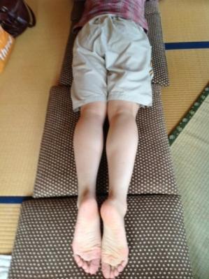 郡山・経絡足つぼ脚もみマッサージ士_たけろぐ_出張・訪問専門_骨盤を支える大臀筋の張りやつまりを取り左右のバランスを整えることで体全身の血流、神経の通りを良くする筋肉ほぐし。③