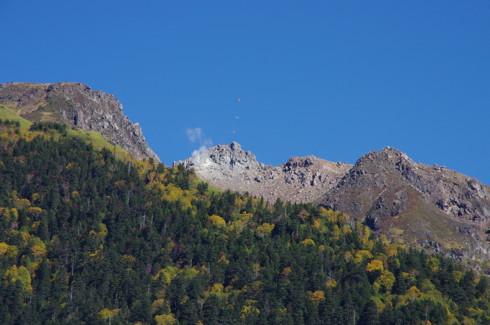 安房峠から見た焼岳