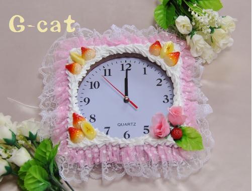 フルーツの壁掛け時計 ピンク