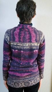手作りセーター後ろ