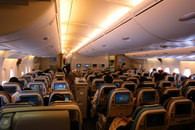 Cabin-View-In-Flight-Airbus-A380-Singapore-Airlines-9V-SKA (640x427)