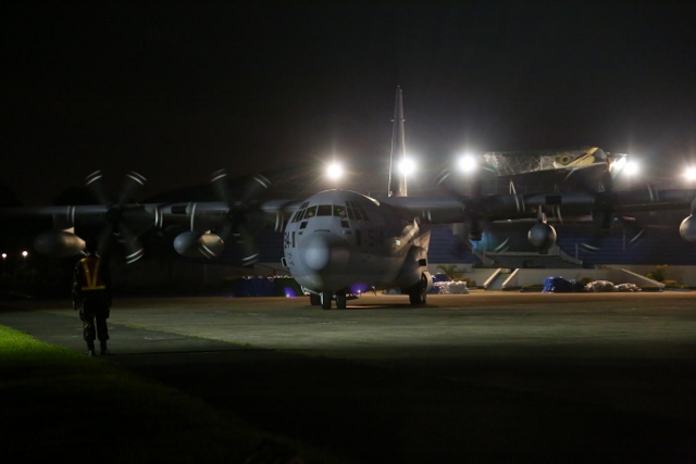 KC130JManila (640x427)