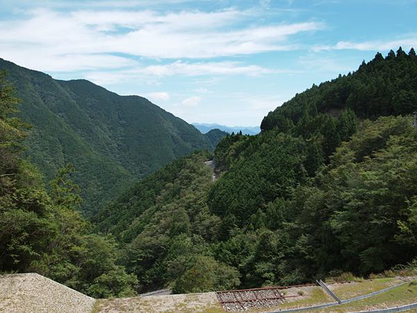 白谷トンネル東側の光景