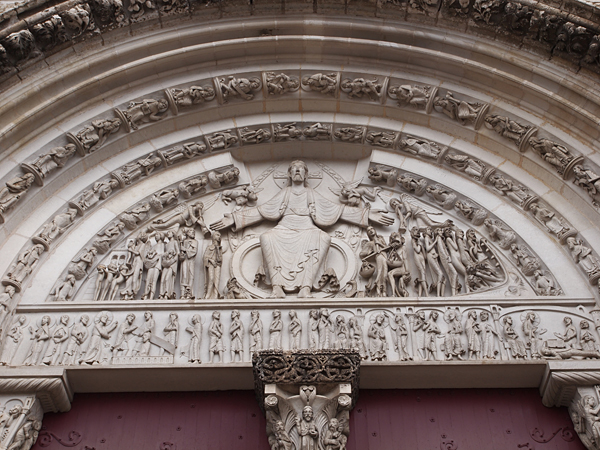 ヴェズレー教会のタンパン