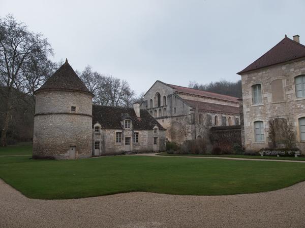フォントネー修道院1