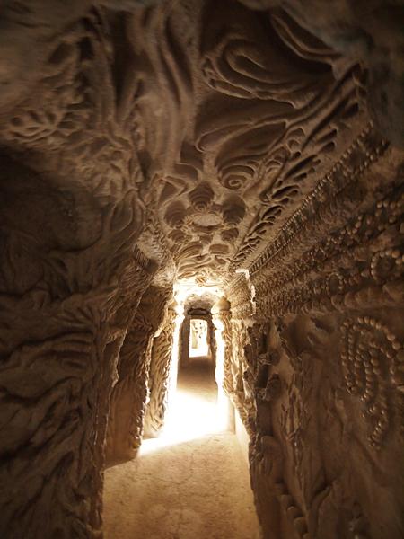 理想宮の内部