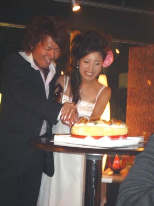 江本さんケーキカット