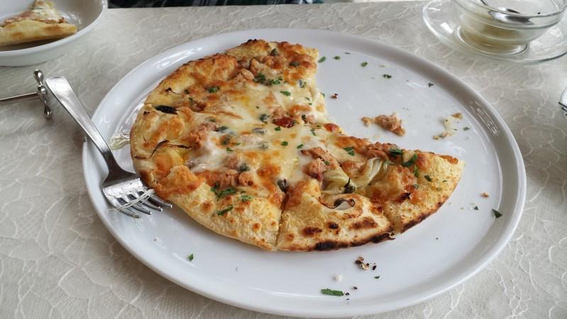 おっきなピザでした。