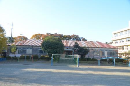 半原小学校 (2013年11月23日)...