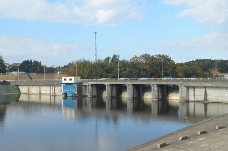 20141121亀山湖・亀山ダム01
