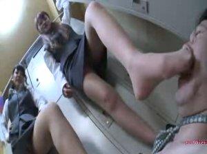 脚マニア店員をカネ蹴りと蒸れた足で責めるドSな社内レディー達