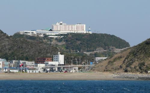海からホテル見る