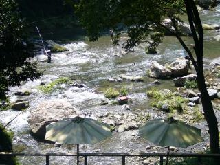 黒茶屋 河原1