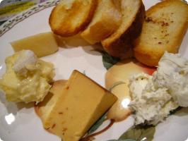 REGINA チーズプレート(3種のチーズ)