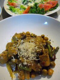 ブタと豆のカレー煮