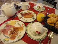 Hotel La Roseraie 朝食