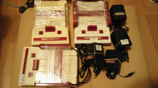 赤白ファミコンを3台ゲッツ