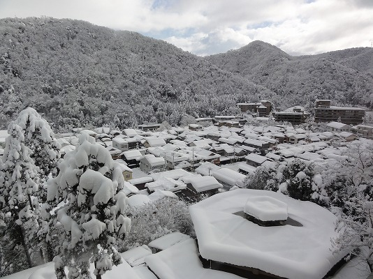 雪の山中温泉