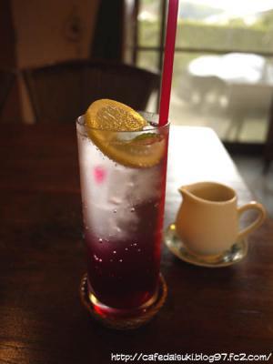 CAFE 楓◇赤しそソーダ