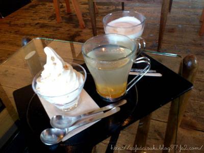 NARAYA CAFE◇ナラヤパフェ&柚子茶&カプチーノ