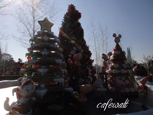 TDL christmas 2013 santa Village 6