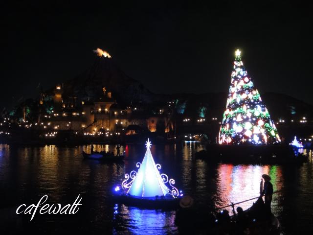 TDS Mediterranean Harbor Christmas 2013-1
