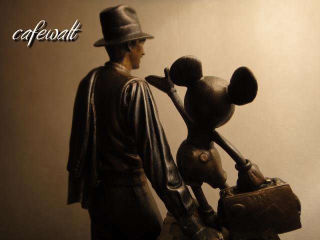 Storytellers statue 5