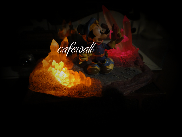 センターオブジアース 水晶の洞窟フィギュア 1