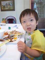 食事中のTsubaki3
