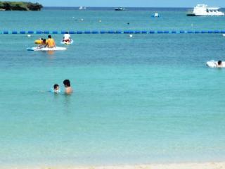パパと泳ぐ1