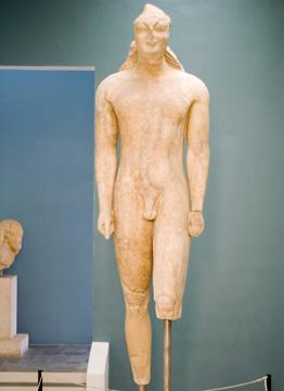 巨大クーロス像