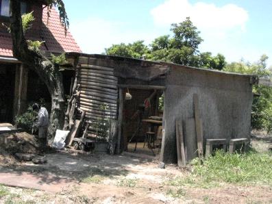 手造り小屋