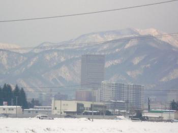 山形駅西側
