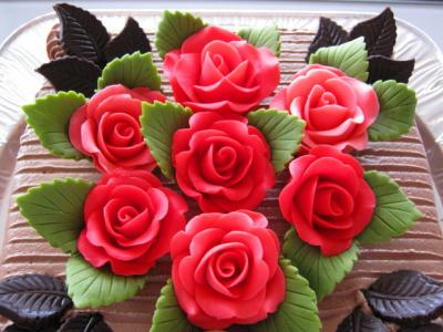 バラのチョコのケーキ
