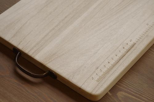 オリジナルデザイン入り木製カッティングボード