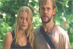 シーズン1より、森の中のクレアとチャーリー