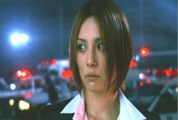 2黙って、その様子を見る宇佐木玲子