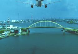 東京湾を飛ぶ飛行機