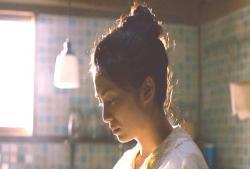 ある女子高生の為に料理を作っている倫子